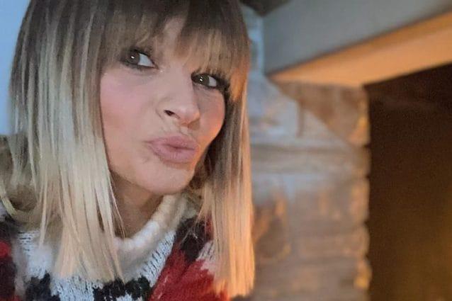 Alessandra Amoroso presenta la sua nuova chioma bicolor!